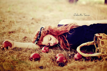 Poisoned Apple by Roberta Tocco